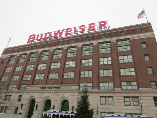Budweiser Brewery Tours: Bud building