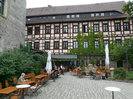 Hotel Burg Colmberg: The building from outside