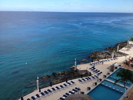 Coral Princess Golf & Dive Resort: Ocean and Pool