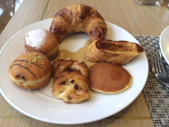 Millennium Seoul Hilton : 朝食は種類がたくさんあります。 ピーナッツバターはないです。