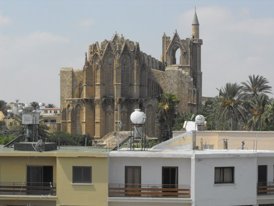 Red Bus Cyprus: Lala Mustafa Pasa Mosque