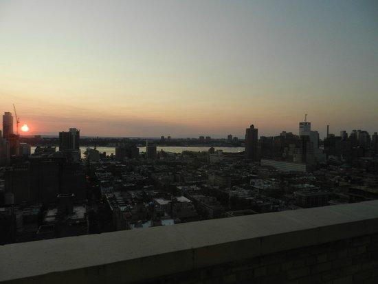 Row NYC Hotel: Vista do Rio HUdson. Janela do Quarto