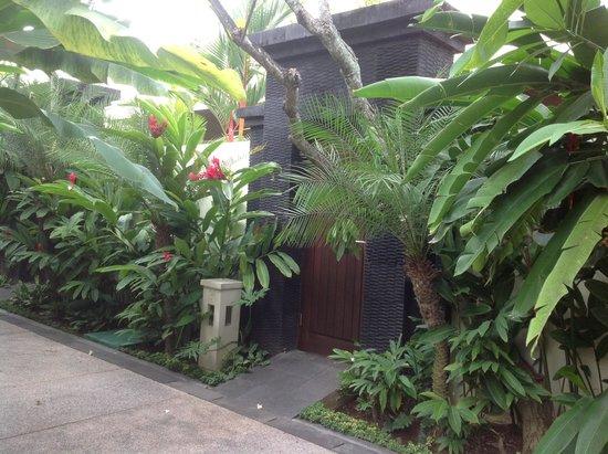 Sun Island Villas & Spa: Entrance to our Villa (22)