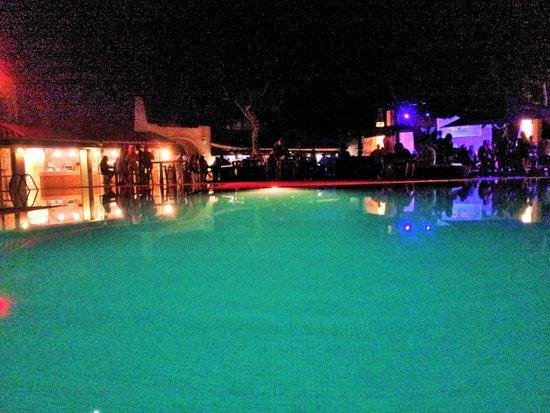 azuLine Club Cala Martina Ibiza : La piscina di notte