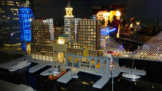 Boston lego city - Picture of Legoland Discovery Center, Somerville ...