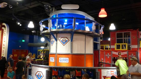 Play scape maze - Picture of Legoland Discovery Center, Somerville ...