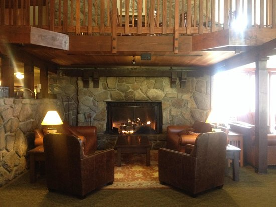 Mammoth Mountain Inn : hall