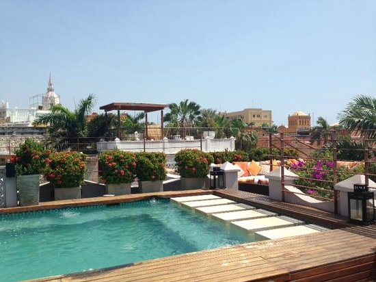 Ananda Hotel Boutique : rooftop jacuzzi