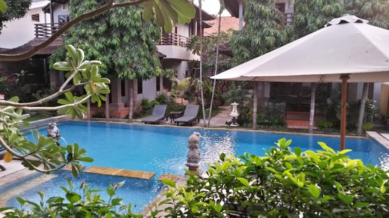 Puri Sading Hotel: By the pool