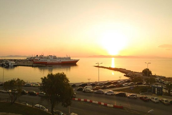Hotel Avra Rafina : sunset from room