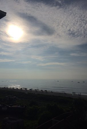 3 Palms Oceanfront Myrtle Beach : Morning view
