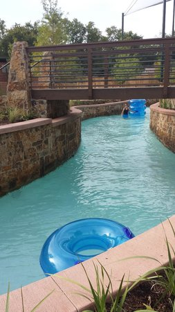 The Woodlands Resort: Lazy river