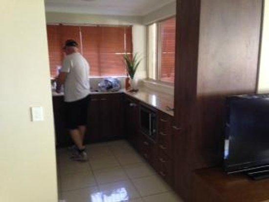 Mantra Amphora: 1 bedroom ground floor apartment kitchen