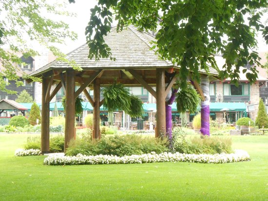 Fairmont Le Chateau Montebello : Wedding Gazebo