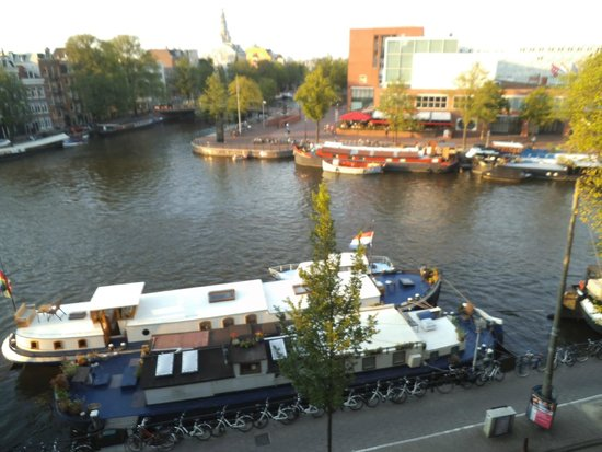 Hampshire Hotel - Eden Amsterdam: Canal view from room, hotel Eden, Amsterdam