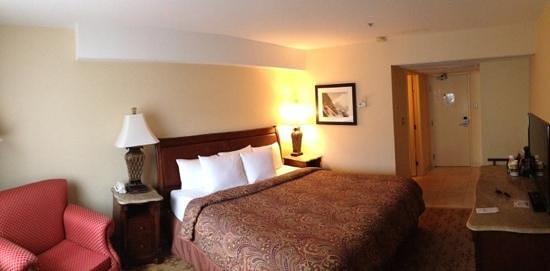 Lake Louise Inn : Typical Room