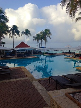 Curacao Marriott Beach Resort & Emerald Casino: Pool