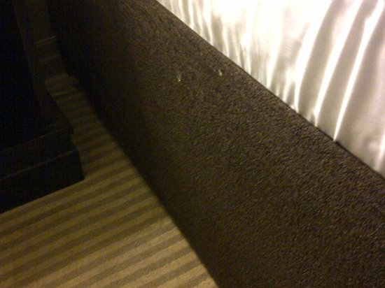 One King West Hotel & Residence: WHITE STAINS ON BED SKIRT UGH SO GROSSSS