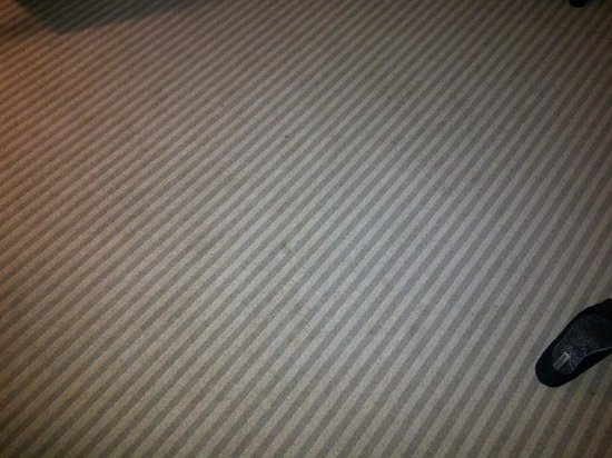 One King West Hotel & Residence: GROSS STAINED CARPET