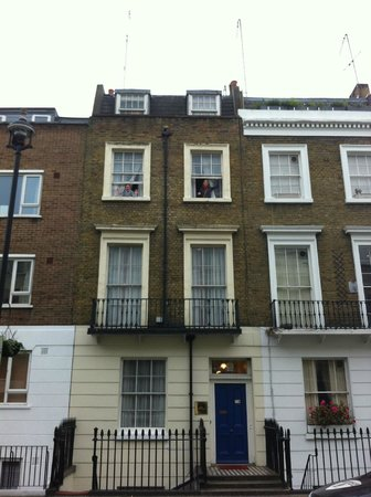 Best Western Victoria Palace: estou na janela do 2º andar