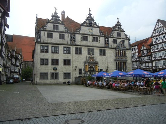 Hannoversch Münden, Německo: Tourist info is in the historic Rathaus, entrance on right side.