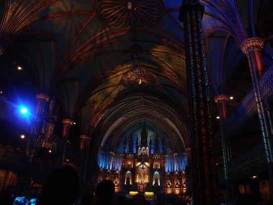 Basilique Notre-Dame de Montréal : Example of the light show