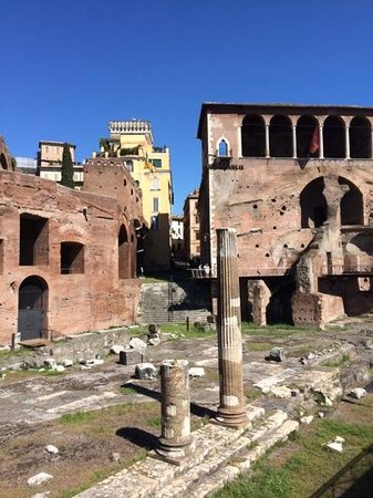 The Inn At The Roman Forum: just down the street from the inn