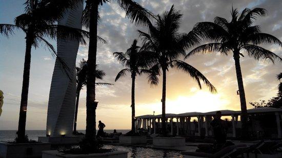 Lv8 Resort Hotel: Surounding