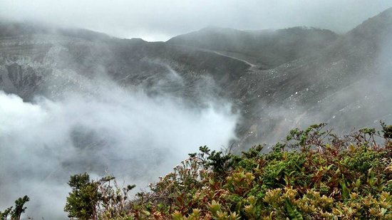 Poas Volcano: Early morning fog at the crater