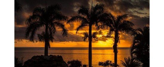 Malaqereqere Villas : Sunset at the Villas