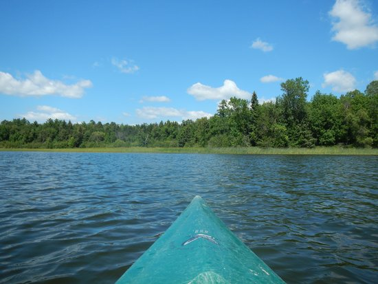 Two Inlets Resort: Kayaking on Two Inlets lake