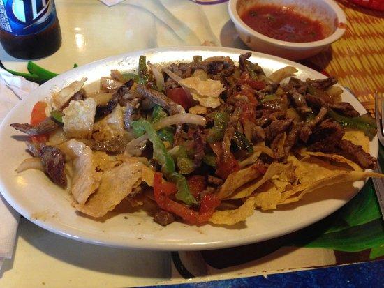 El Rancho Authentic Mexican Restaurant: ナチョス!