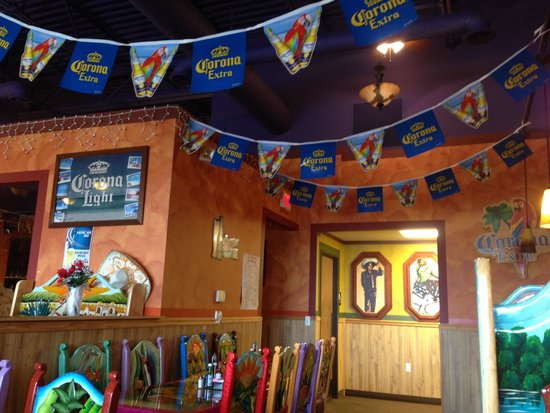 El Rancho Authentic Mexican Restaurant: 店内