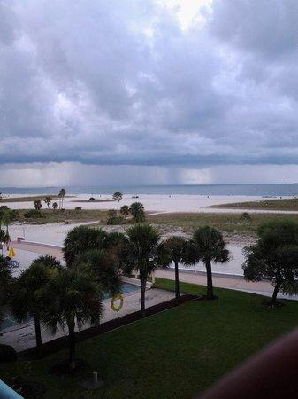 South Beach Condo/Hotel: Even the rain is beautiful!