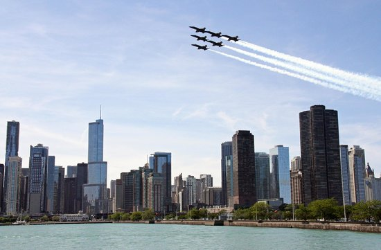 Wendella Sightseeing Boats: Blue Angels Practicing for Air and Water Show