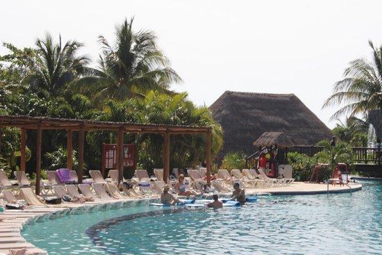 Valentin Imperial Maya : Pool