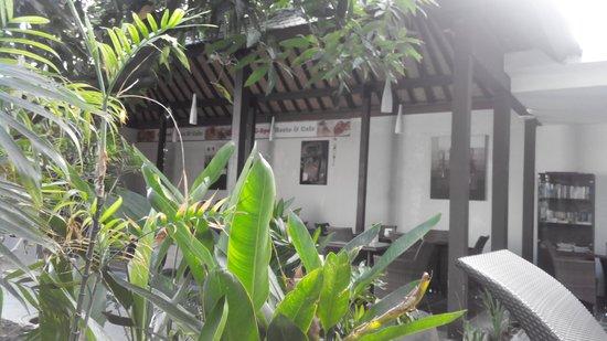 Gosyen Hotel: garden