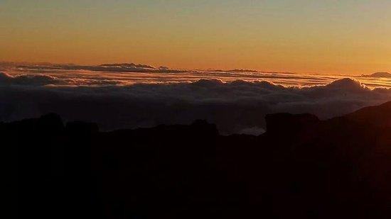 Haleakala Crater : The begining of sunrise