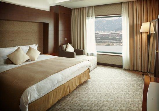Niagara Hotel: DELUXE ROOM