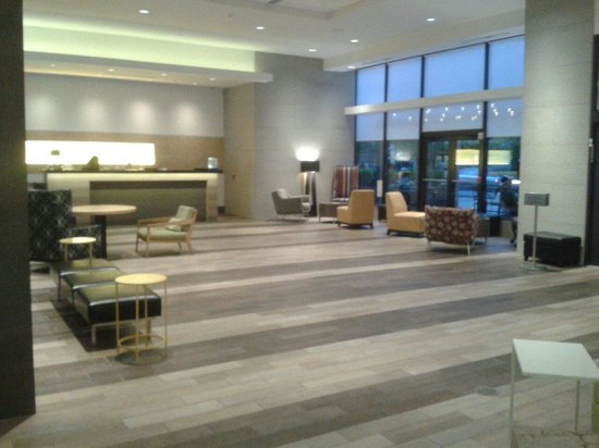Home2 Suites by Hilton Philadelphia - Convention Center, PA: Atrio