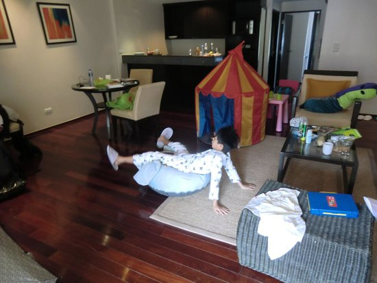 Swissotel Resort Phuket Kamala Beach: kid set up