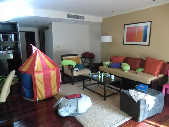 Swissotel Resort Phuket Kamala Beach : kid set up