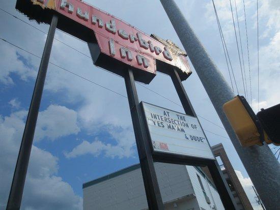 The Thunderbird Inn: Sign