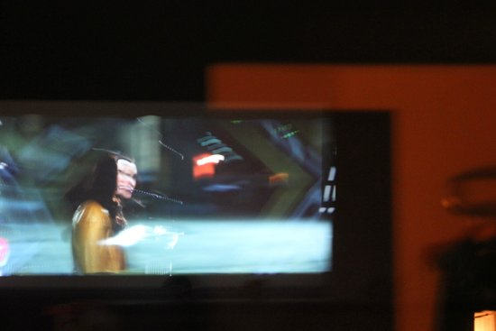 Best Western Movie Manor : view of the screen from the room (the blurry is me!)