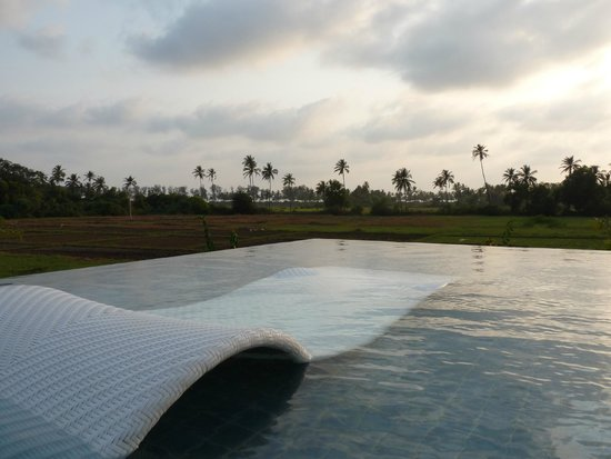 Alila Diwa Goa: sheer bliss in the partially submerged pool loungers