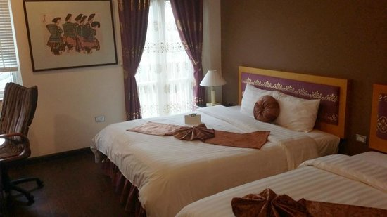 Golden Sun Villa Hotel : Deluxe Double room