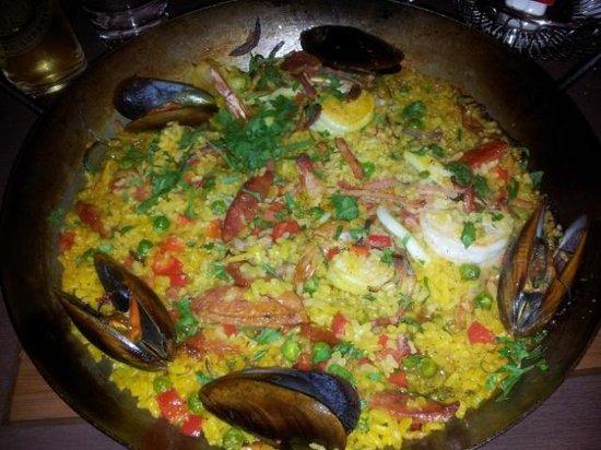 Mediterranean Cafe Ristorante: Paella