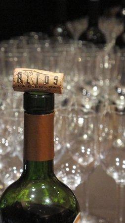 El Mercado: barra de vinos