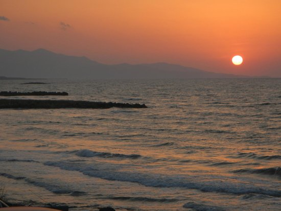 Zorbas Island : Another reliably gorgeous sunset