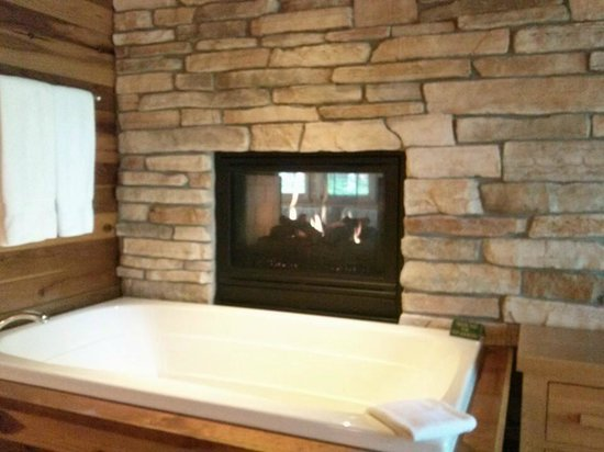 Canoe Bay: Whirlpool and fireplace in Dream Cabin #9